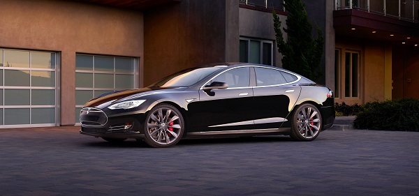 Tesla Model S Travels 1000km On A