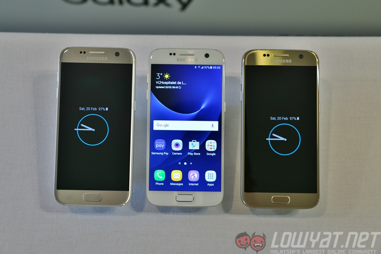 how to put an sd card in samsung s7 edge