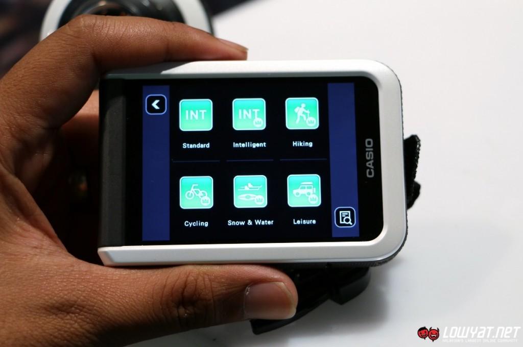 Casio EXILIM EX-FR100 Hands On 22
