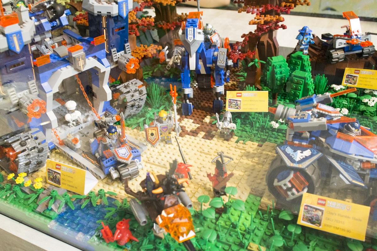 Lego Nexo Knights Display