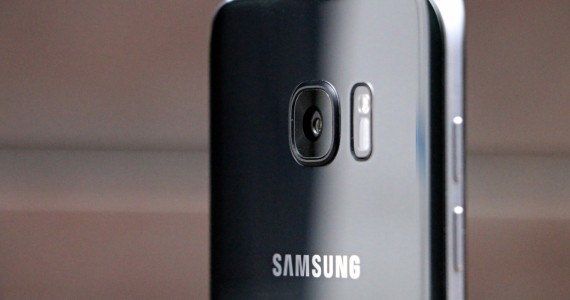 Samsung-Galaxy-S7-Edge-Review-34