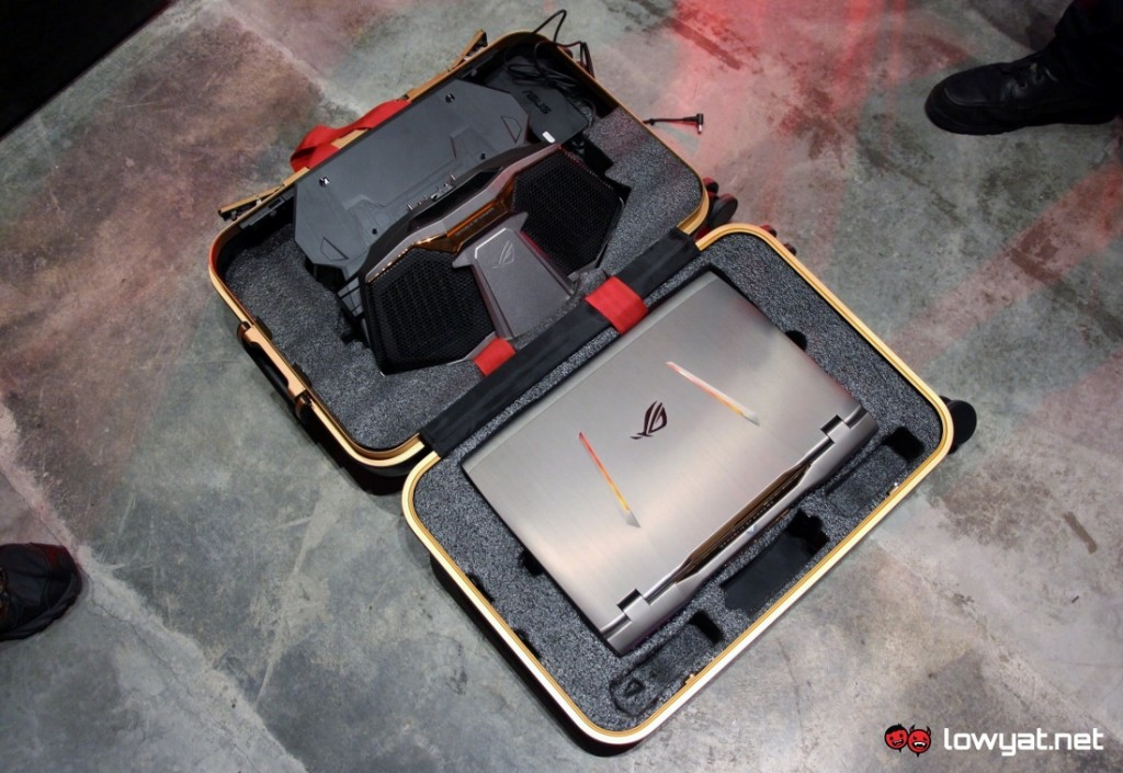 ASUS ROG GX700 Gaming Laptop 18
