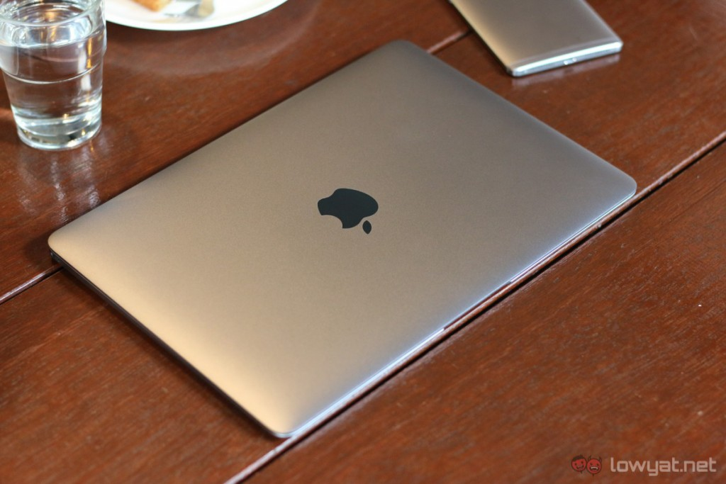 Apple-MacBook-2015-How-Can-I-Live-0234