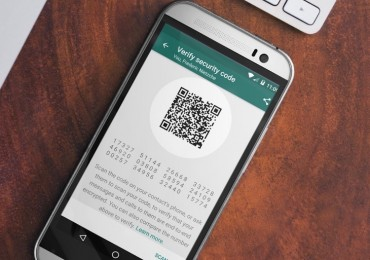 WhatsApp with Full End to End Encryption