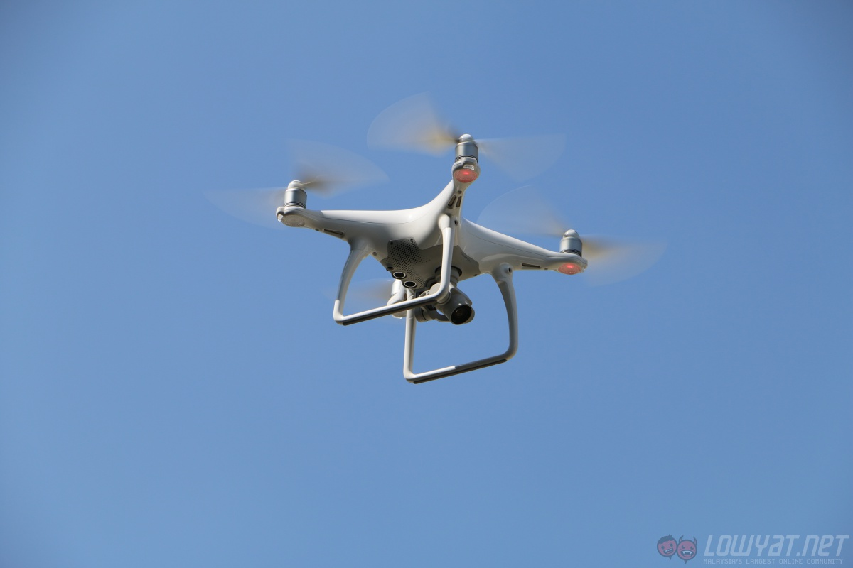 camera drone for sale with Dji Launches Phantom 4 Drone Osmo 4k Camera In Malaysia on Dji Inspire 3 Leaked Photos And Test Flights With 6k Raw Camera in addition Top Best Beginner Flying Drones For Sale as well Camera Drone Buyers Guide furthermore Mantona Tripod Kaleido Mini Night Black furthermore Minitricopter Kit.