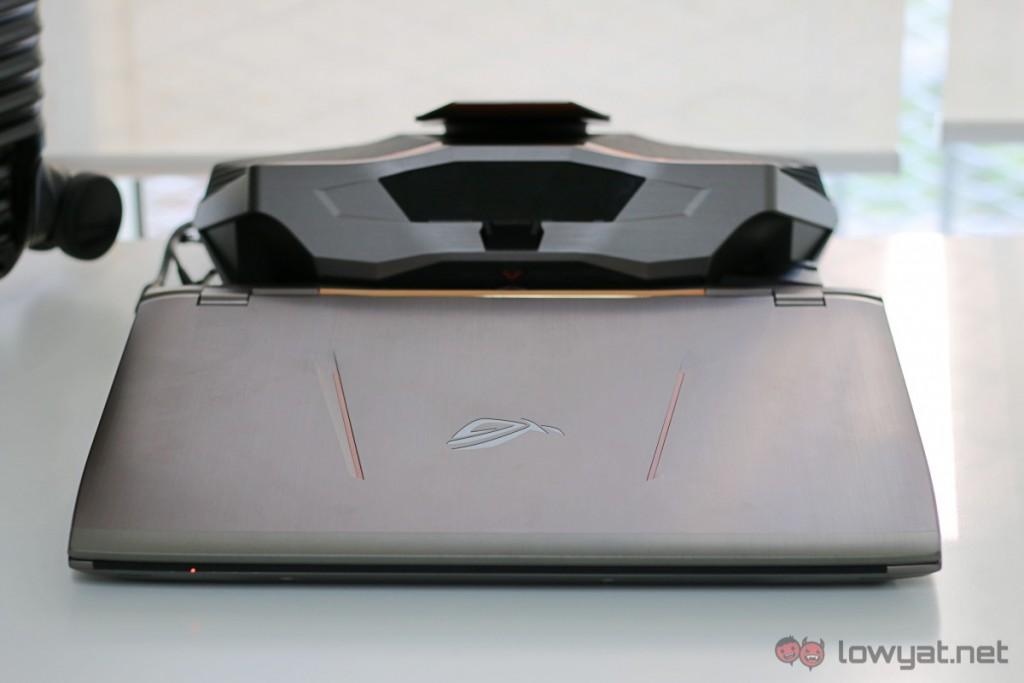 Asus-GX700-Liquid-Cooled-Gaming-Laptop-Review-03