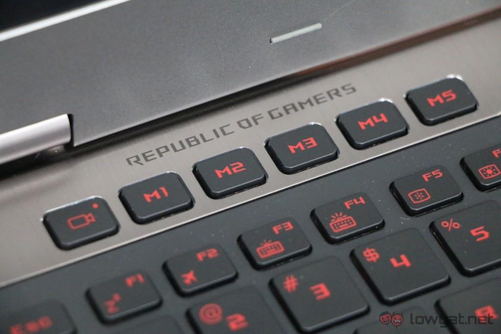 Asus-GX700-Liquid-Cooled-Gaming-Laptop-Review-08