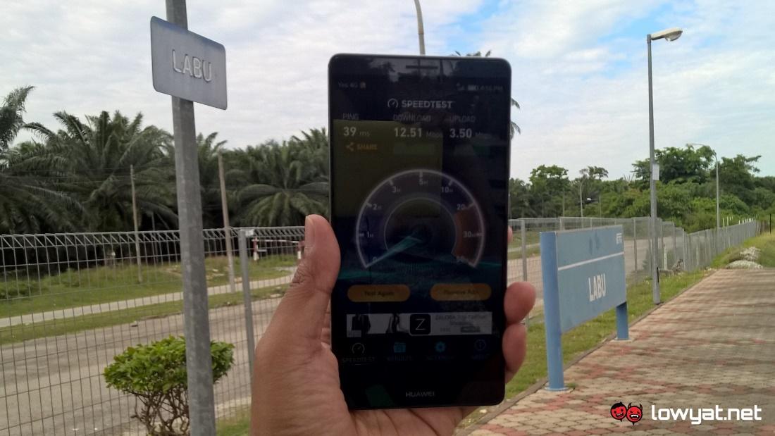 Yes 4G LTE Speed Test - Komuter Labu