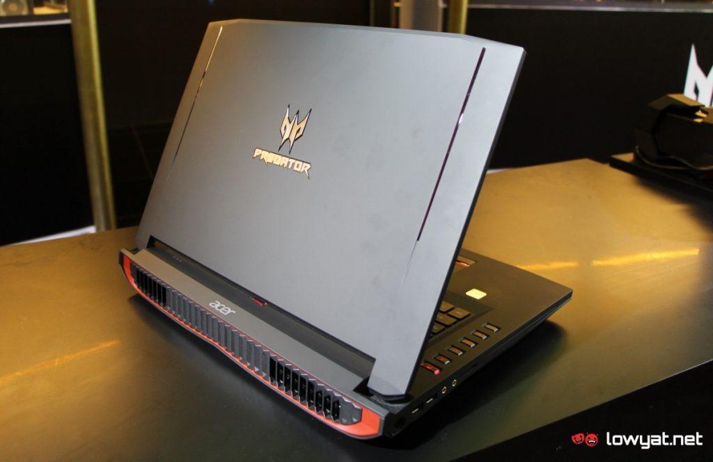 LYN Acer Predator 17 X MY 14