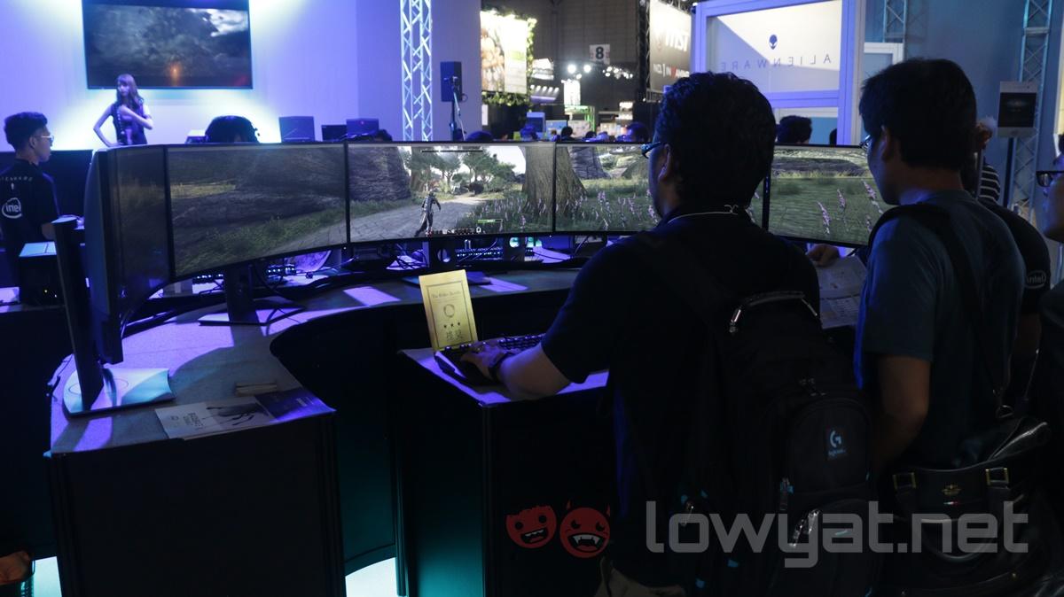 Alienware 180-degree Display TGS 2016