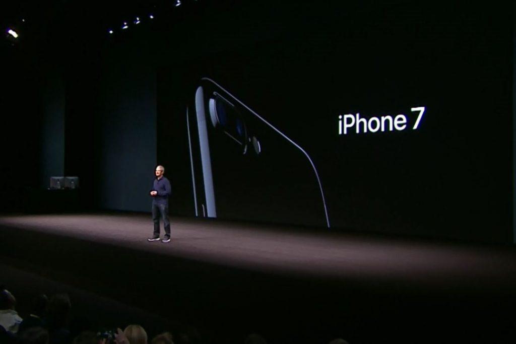 Apple-iPhone-7-77