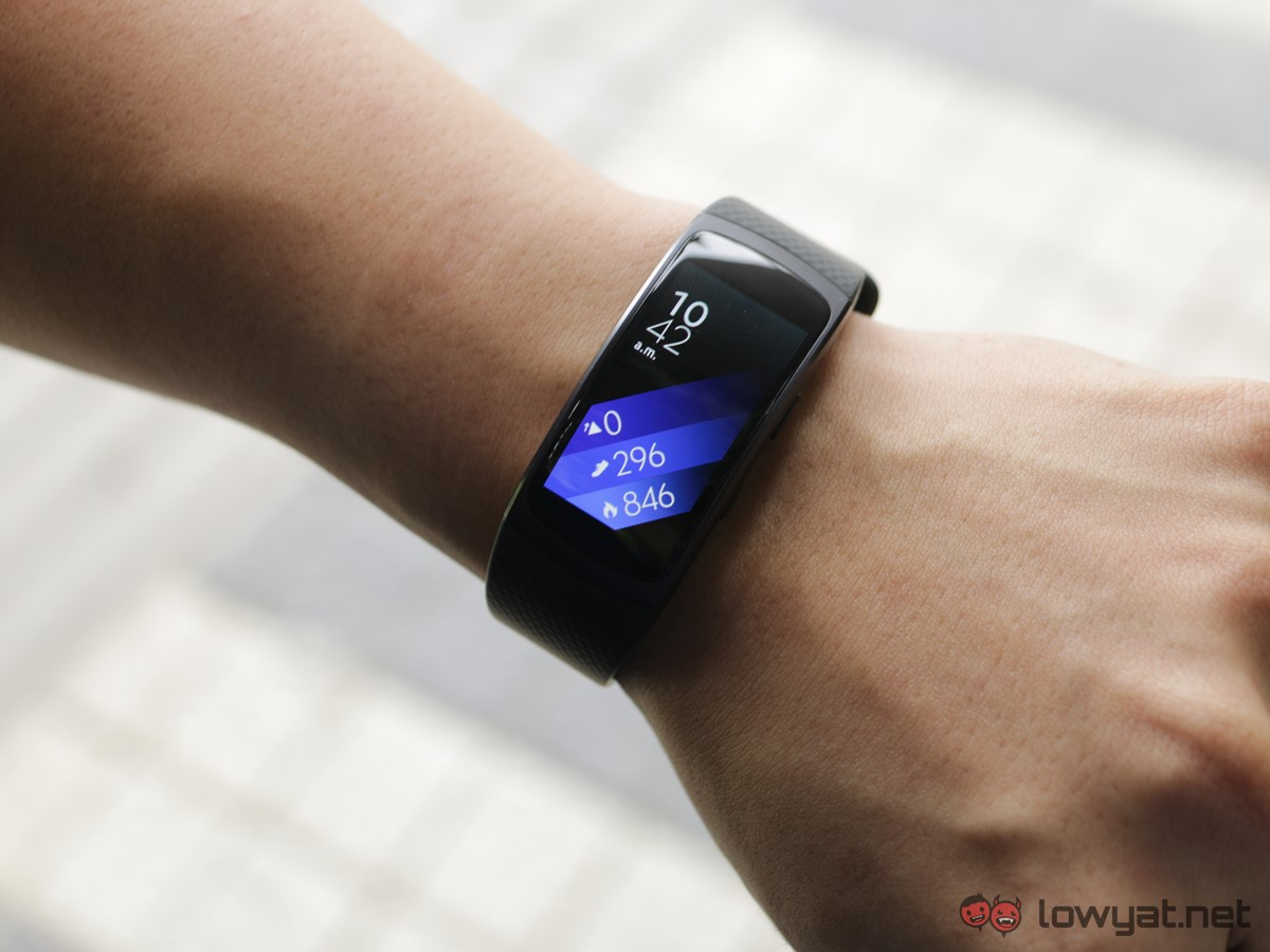 Samsung-GearFit-2-Lightning-Review-IMG_6569
