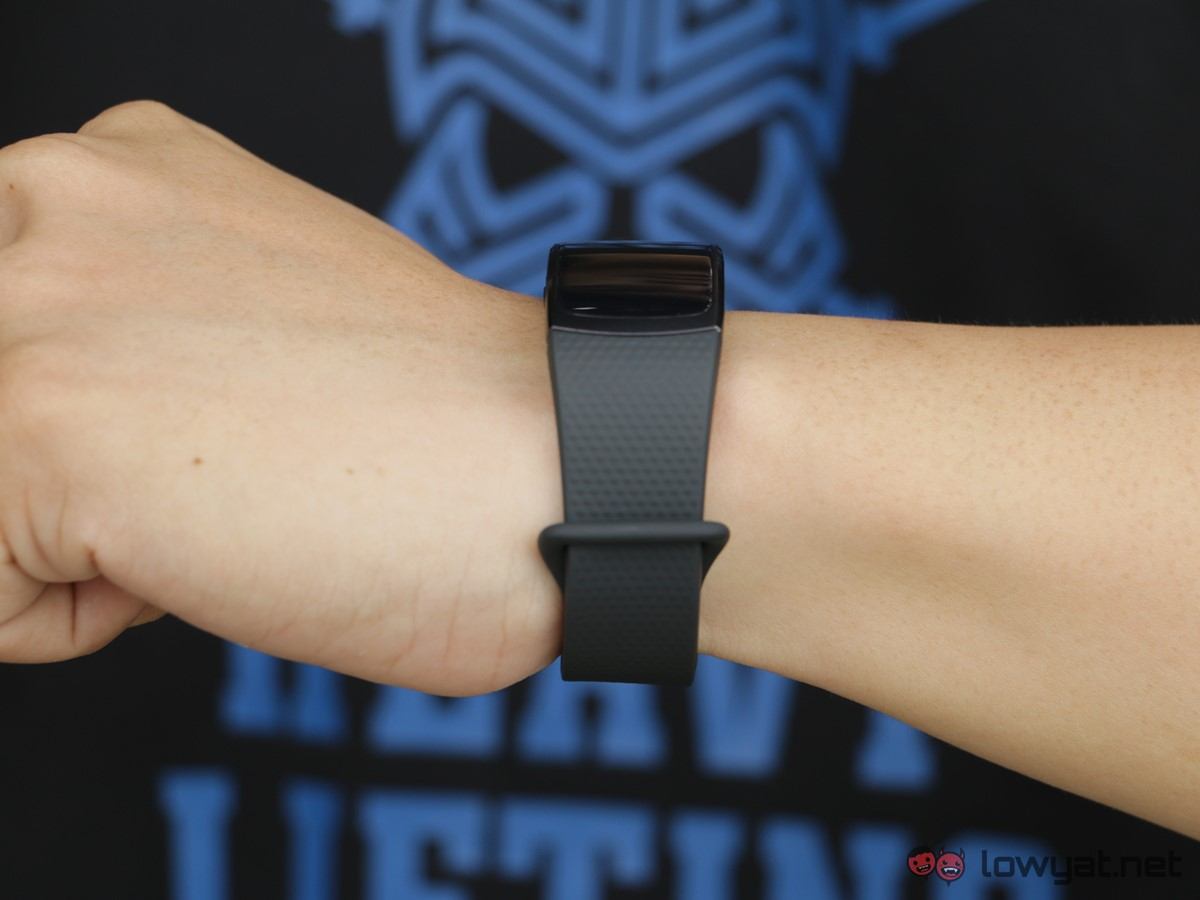 Samsung-GearFit-2-Lightning-Review-IMG_6576
