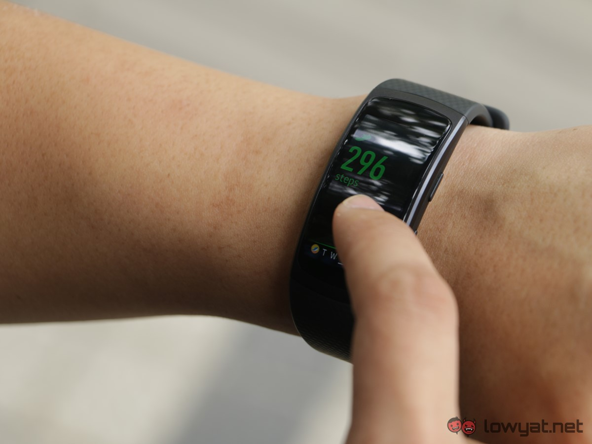 Samsung-GearFit-2-Lightning-Review-IMG_6580