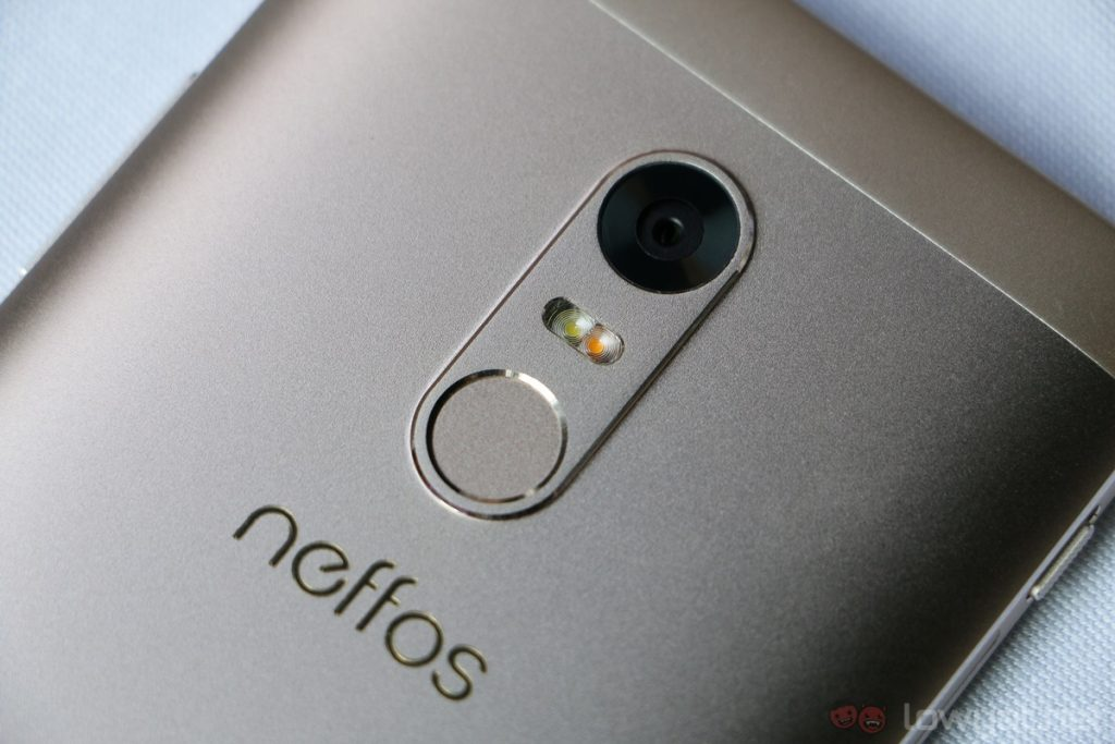 neffos-x1-hands-on-4