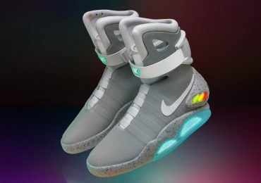 2016 Nike Mag with Power Laces