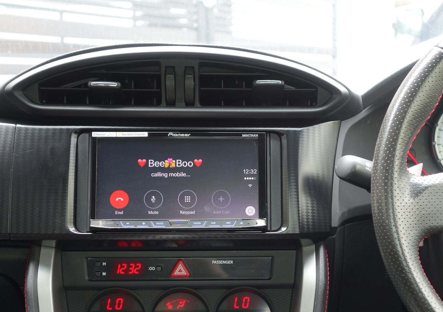 Phone Call on Pioneer X8850BT CarPlay