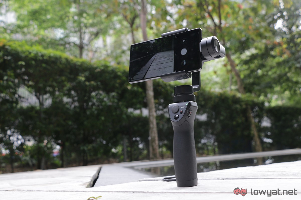 DJI-Osmo-Mobile-Lightning-Review-02