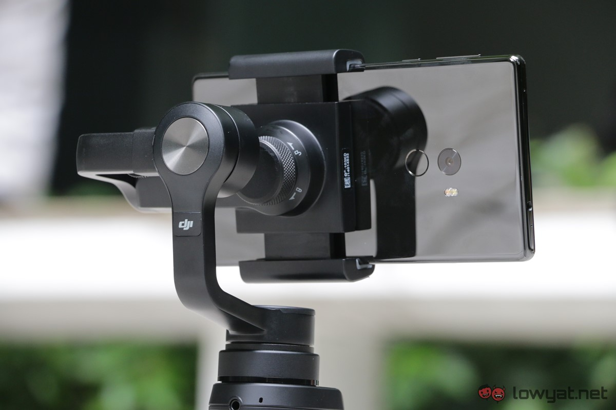 DJI-Osmo-Mobile-Lightning-Review-14