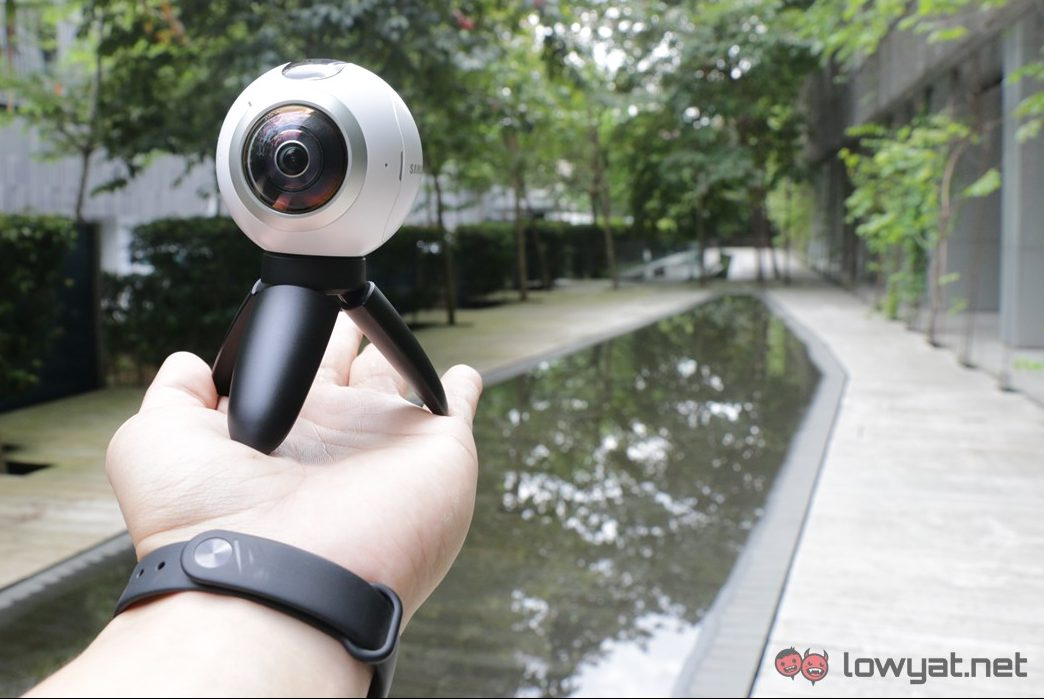 Samsung-Gear-360-Camera-Lightning-Review-28