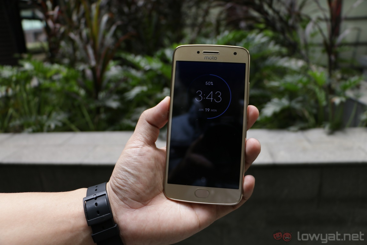 Moto G5 Plus Review: The Mid-Ranger to Beat - XCentWork