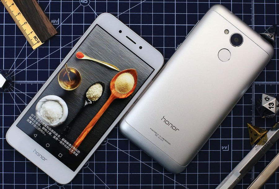 Huawei Honor 7X is now official with 18:9 screen