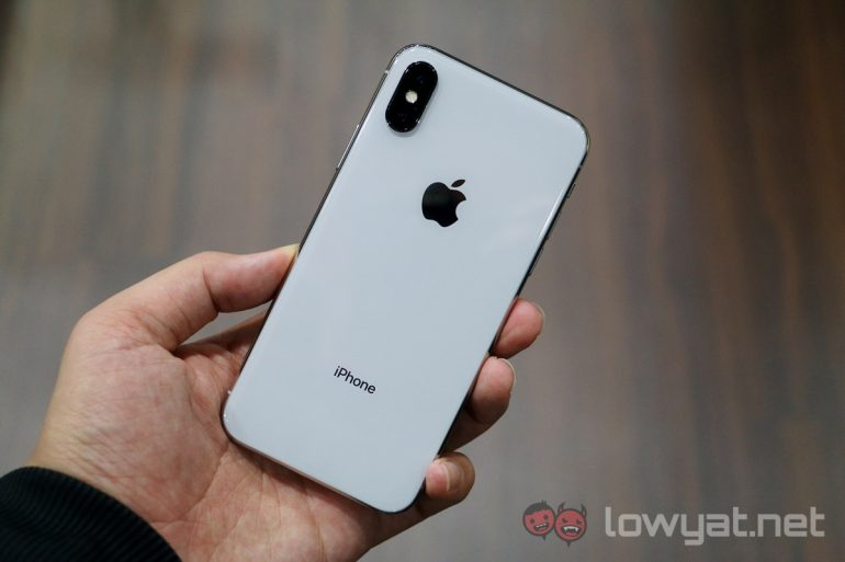 Apple has to make more iPhone X because of Samsung