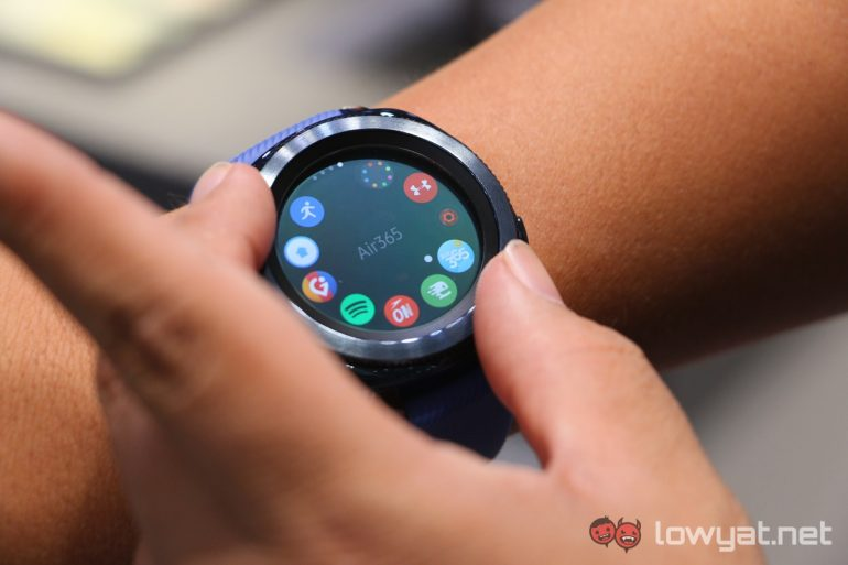 Samsung May Feature Google's Wear OS In Its Next Smartwatch