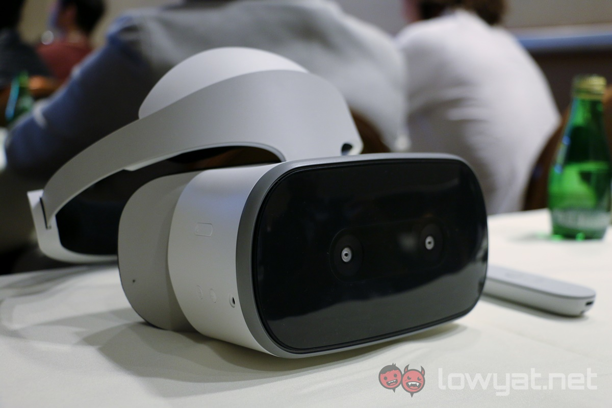 Lenovo Mirage Solo with Daydream VR headset launched at CES 2018