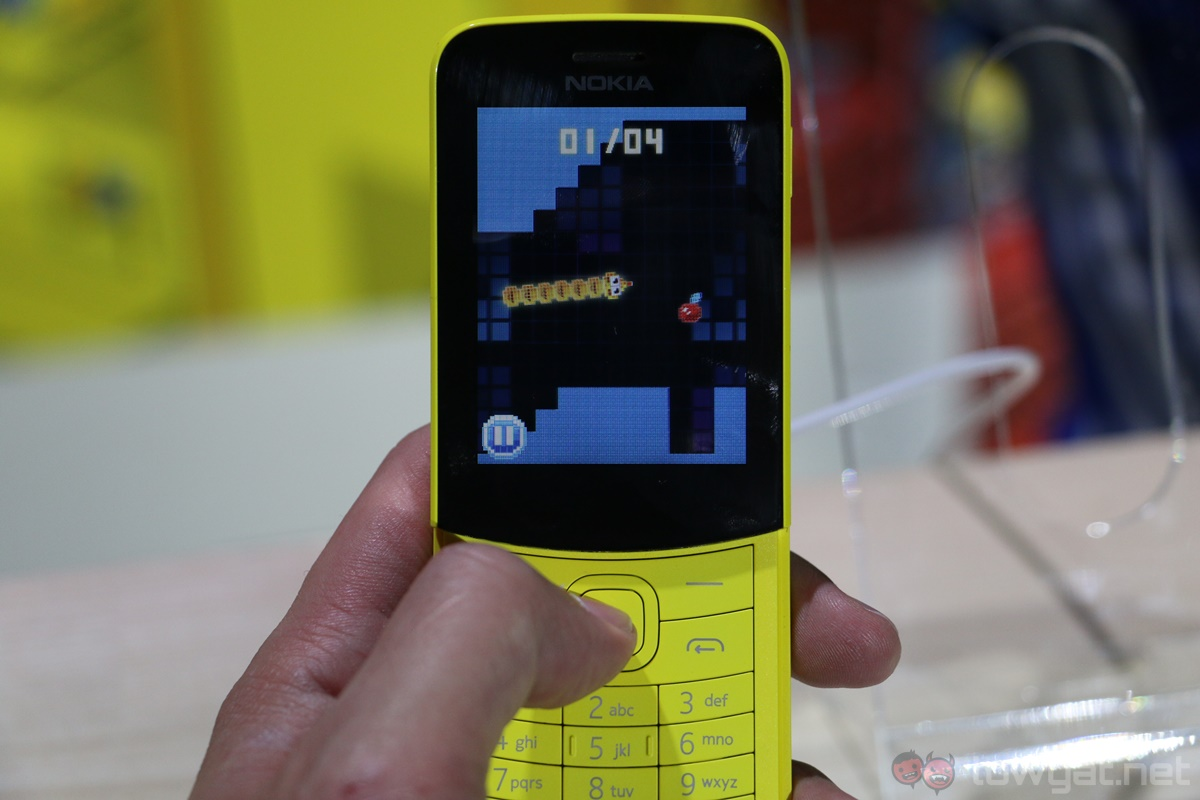 nokia 8110 4g hands on another classic reimagined