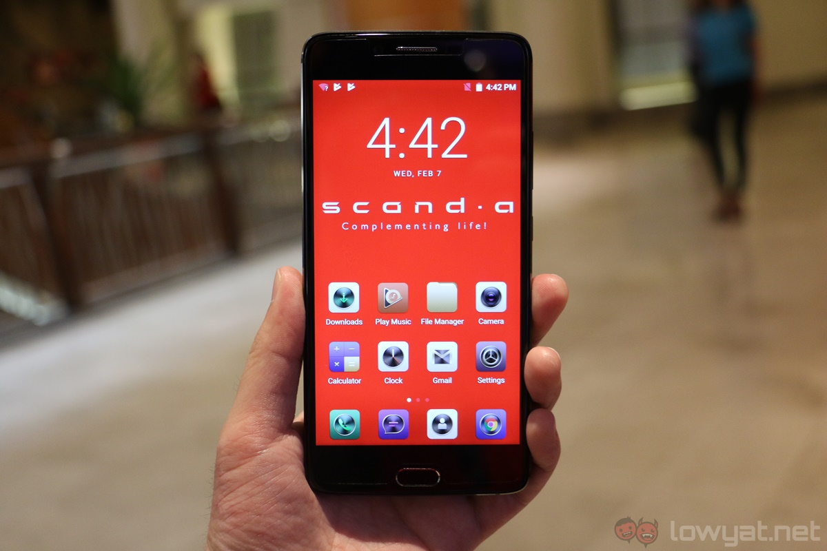 Scanda Smartphone with Built-in Projector Launches in Malaysia for