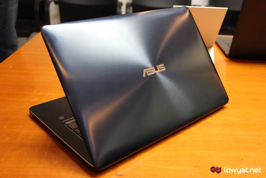 Asus ZenBook Pro offers 5.5-inch touchscreen LCD trackpad
