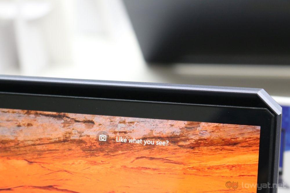 ASUS ProArt StudioBook One top vent