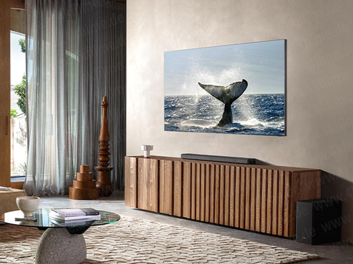 Samsung bezel-less TV (2)