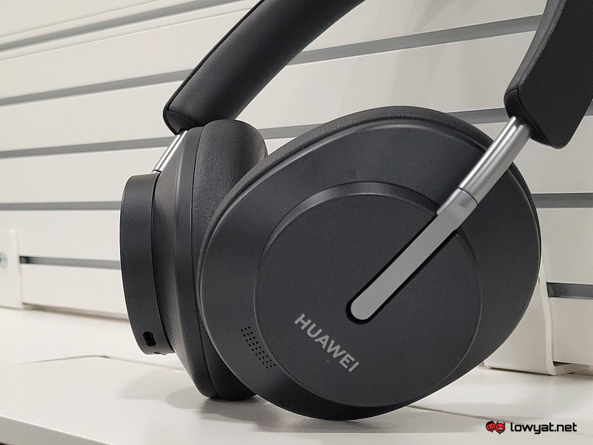 Huawei FreeBuds Studio Lightning Review