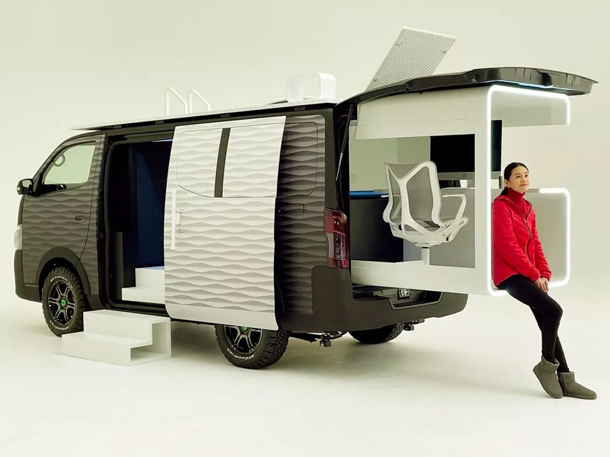 Nissan NV350 Office Pod Concept Vehicle