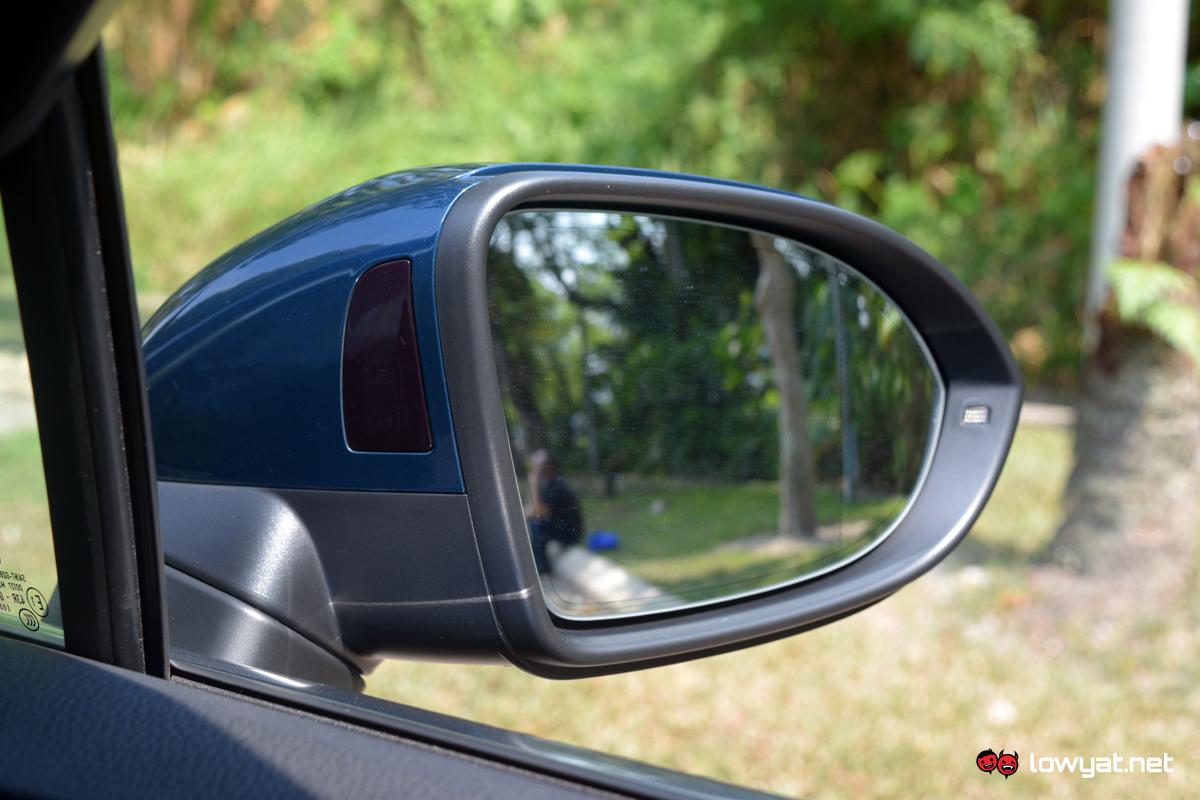 Volkswagen Passat Elegence Onboard Tech