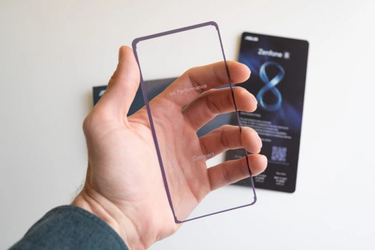 ASUS ZenFone 8 Compact card