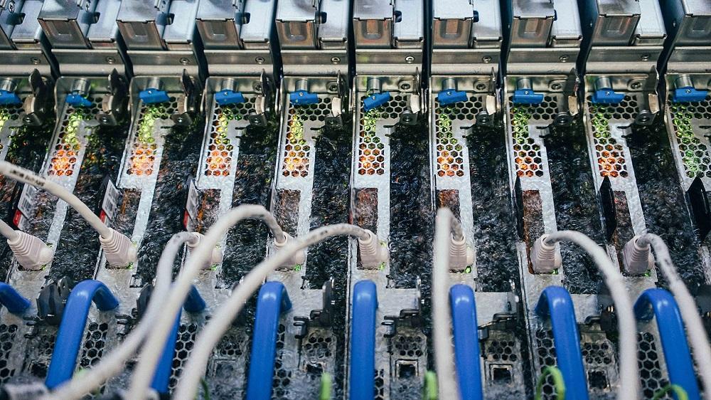 Microsoft liquid cooling servers