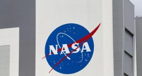 NASA SpaceX halts progress on moon lander project complaints Blue Origin Dynetics
